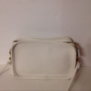👛 COACH 👛 vintage white leather crossbody bag